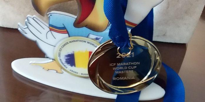 Natasha Championne du Monde Marathon en Canoë